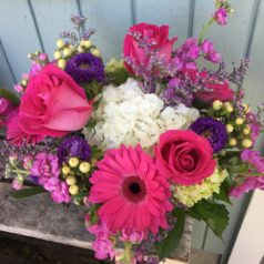 Topaz roses white hydrangeas